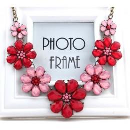 Nyakék piros-rózsaszín virágokkal díszítve. 00060ec