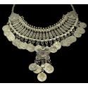 Ezüst színnű nyakék, érmékkel. 00079ec
