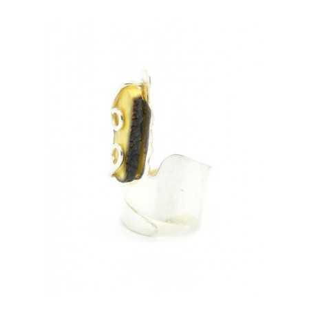 Ezüst gyűrű matt tej színű borostyánnal 617as