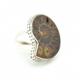 Ezüst gyűrű csiszolt kagylóval 628as