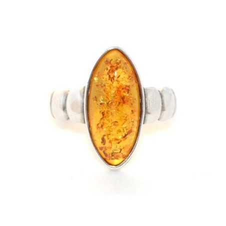 Ezüst gyűrű ovális borostyánnal 61as