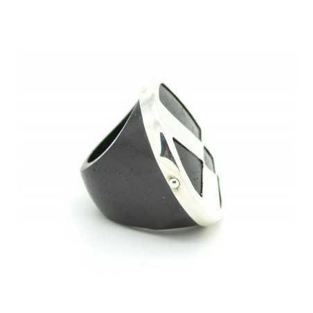 Fából készült gyűrű, ezüst díszítéssel 91as