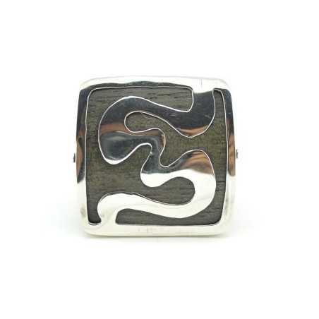 Fából készült gyűrű, ezüst díszítéssel 92as