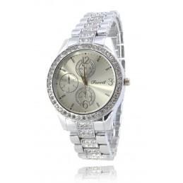 Ezüst színű strasszos női karóra ezüst számlappal. 374oc