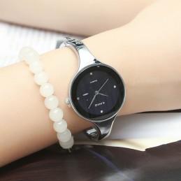 Kimio női karperec óra, fekete számlappal. 385oc
