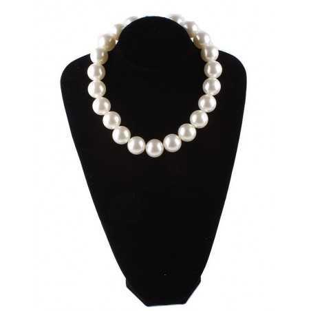 Fehér, nagy gyöngyökkel díszített nyakék. 00128ec