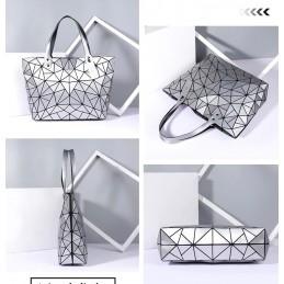 3D geometriai mintás, ezüst színű női táska