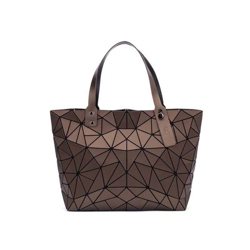 3D geometriai mintás, barna színű női táska.
