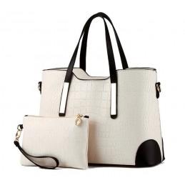 Divatos, bézs színű női táska, kivehető kistáskával.
