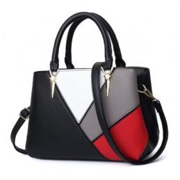 Divatos, színes női táska.