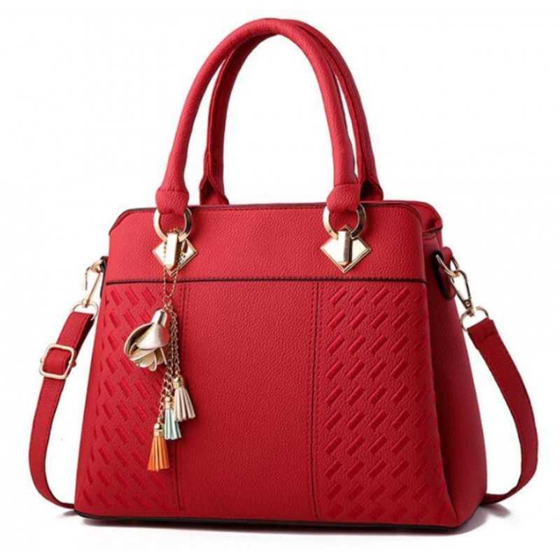 Három rekeszes, zsebes, cipzáros, piros divatos női táska.